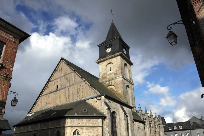 Eglise catholique à Beuzeville • Cormeilles • Conteville